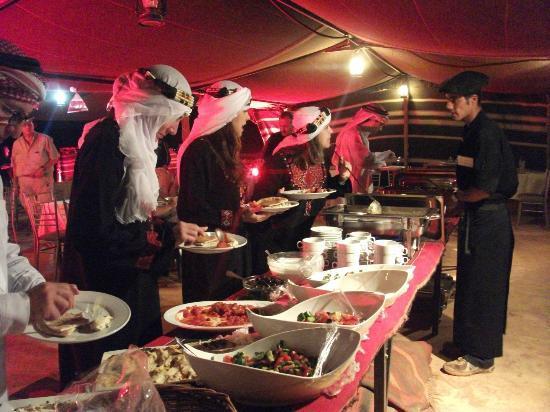 "Buffette dinner at ""King Aretas IV Luxury Camp"""