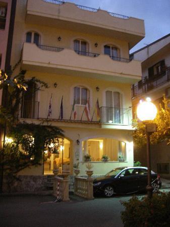 Hotel Sylesia: Hotel von der Strassenseite aus