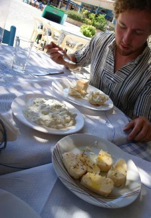 Nefeli Apartments: Lunch at Vathys