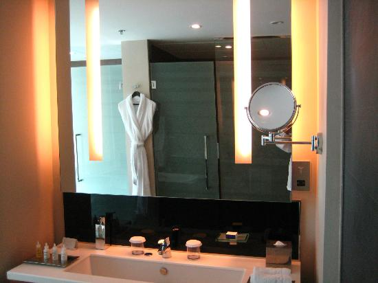 InterContinental Doha The City: sink