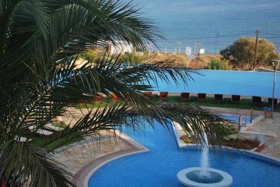 Cretan Dream Royal: Uno scorcio delle piscine