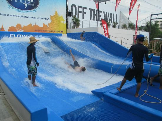 Flow House Bangkok: a beginners wipeout