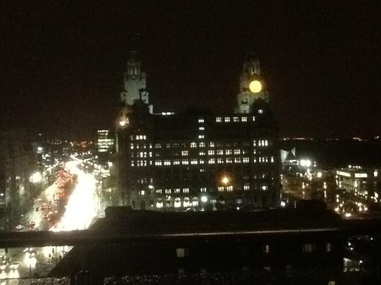 L3 Living - The Merchant Quarters, Liverpool: Night time view from balcony