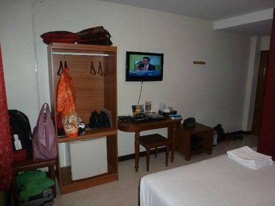 """Khaosan Palace Hotel: Très basique pour une """"Deluxe room"""""""