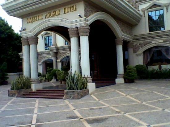 โรงแรมมาเจสติก อังกอร์: Hotel Entrance