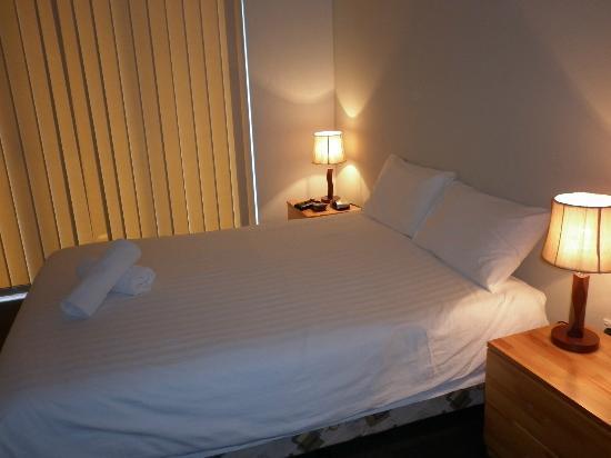 Cote D'Azur: bedroom clean and comfy