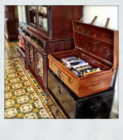 Noordin Mews Living Room Area Vintage Trunks And Suitcases