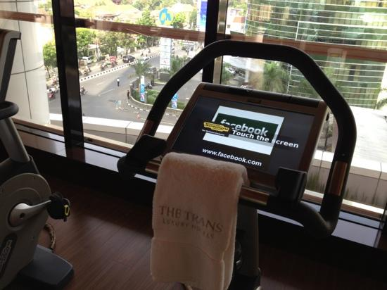 The Trans Luxury Hotel Bandung: gym