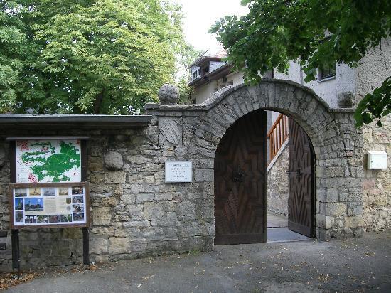 Fuchsturm-Berggaststatte: Haupttor