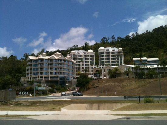 Blue Horizon Resort Apartments: second building on your right