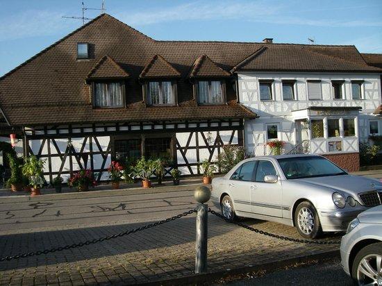 Landhotel Laube: Hotel mit Restaurant