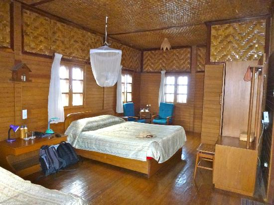 Golden Island Cottages: Room View