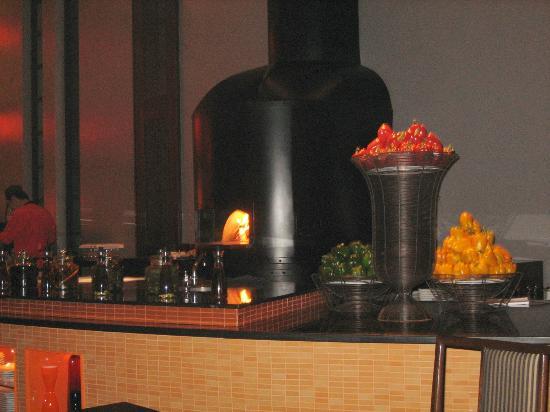 Mantra Restaurant & Bar: Pizza oven