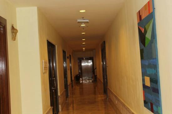 Langkawi Lagoon Resort: Hotel corridors