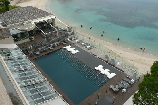 Piscine ext rieure picture of ile rousse hotel thalazur for Algues brunes piscine