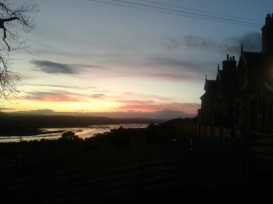 Gavinburn Cottages : Evening View at Gavinburn