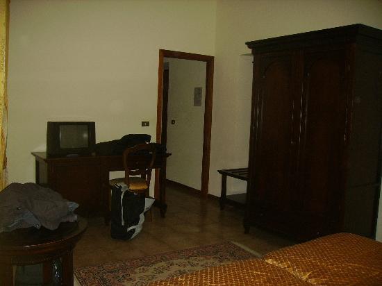 Camera Matrimoniale Hotel Stazione Reale