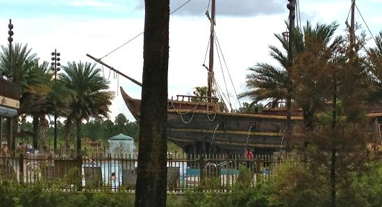 Lake Buena Vista Resort Village & Spa: great pool area with pirate ship for families