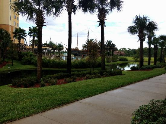 Lake Buena Vista Resort Village & Spa: beautiful, well maintained grounds