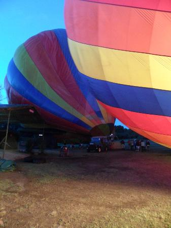 Governors' Camps Hot Air Ballooning: watching the balloons inflate
