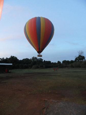 Governors' Camps Hot Air Ballooning: take off