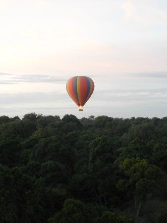 Governors' Camps Hot Air Ballooning: on the way