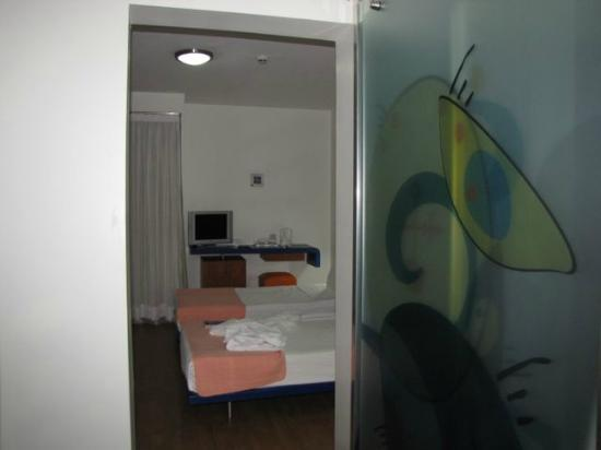 Isil Club Bodrum: view from the entrance, bathroom door on the right