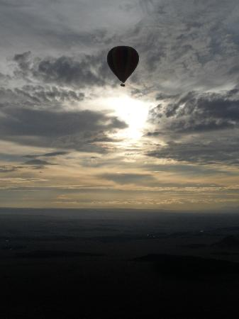 Governors' Balloon Safaris: view of the other balloon