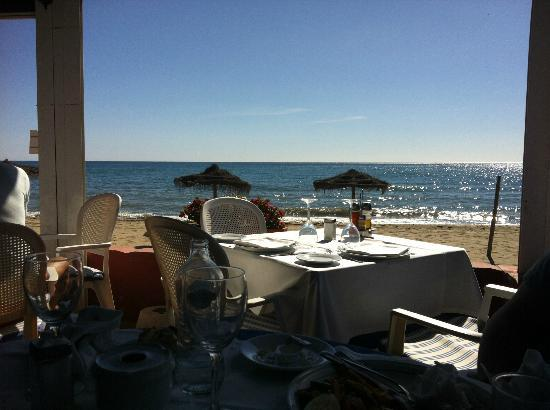 Restaurante Los Sardinales : View from the restuarant out to sea.