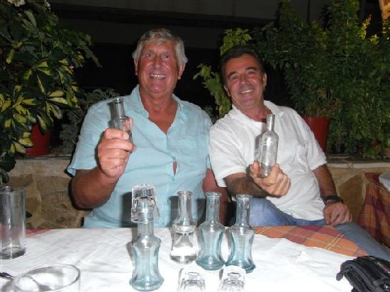 Manolis Taverna Restaurant: 2012 (RAKI NIGHT)
