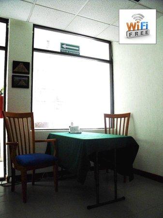 Mundo Maya Hostel: Comedor