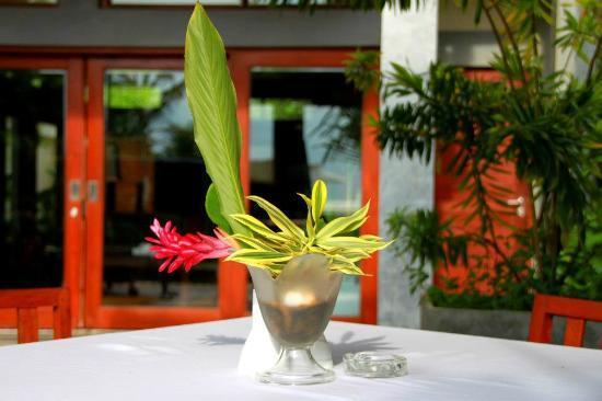 Serene Pavilions: Garden