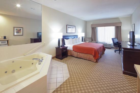 Country Inn & Suites By Carlson, Clinton: CountryInn&Suites Clinton WhirlpoolSuite