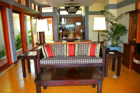 Serene Pavilions: Living room