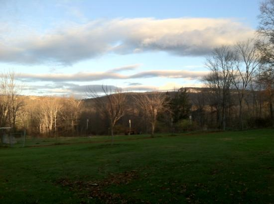 "Mountain Meadows Bed & Breakfast: The ""gunks"" and Mohunk tower from the yard"