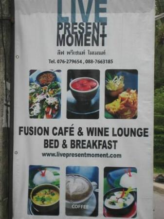 Live Present Moment : Street sign