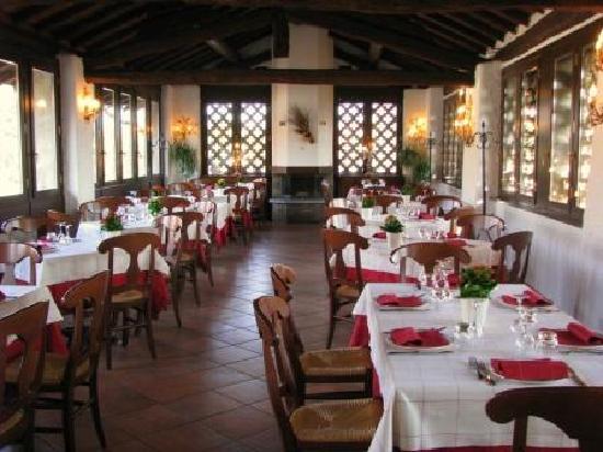 Agriturismo Cassinazza: Salone Antico Fienile