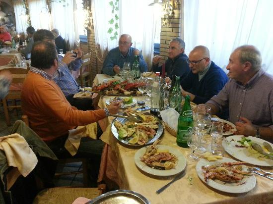 Oliveto Citra, Italia: Quando vedi questi, cacciali!!!!! Vai a rimettere.