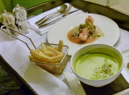 The Restaurant at The Lifehouse: Good room service and great chips at Lifehouse