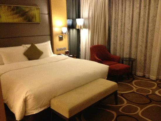 Crowne Plaza Hong Kong Causeway Bay: comfy bed