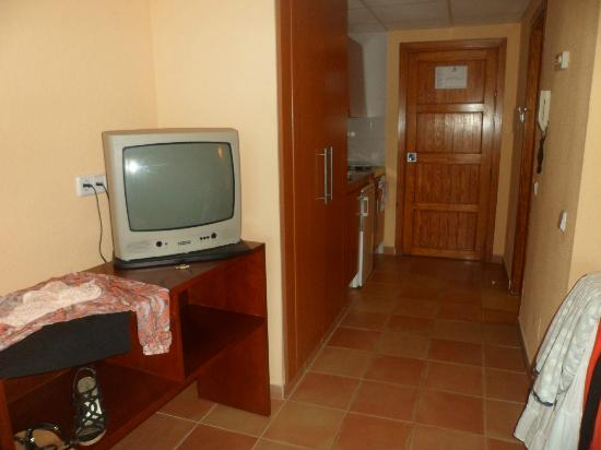 Intertur Palmanova Bay: Our room!