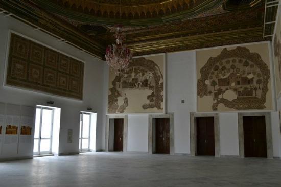Musée National du Bardo : The Grand domed hall.