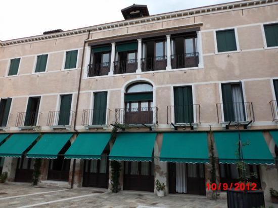 Istituto Canossiano: hotel