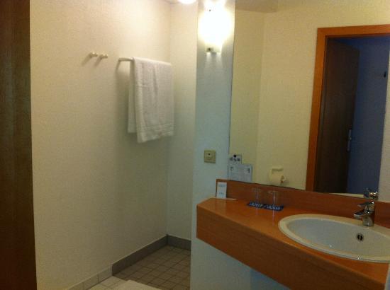 Tryp Bochum-Wattenscheid Hotel: Einfaches Bad