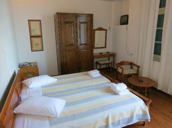Amphora Hotel: chambre