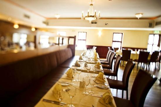 The New Ship Restaurant at Dooley's Hotel