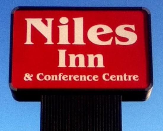 Niles Inn & Conference Centre: Sign