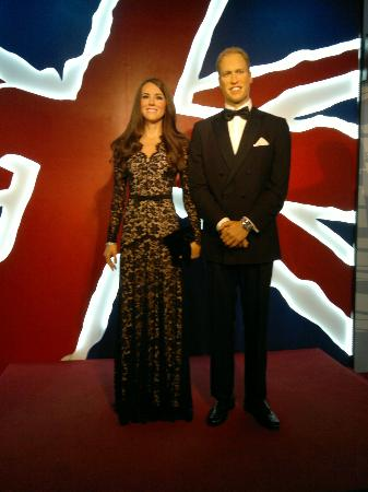 Madame Tussauds: Kate & William.