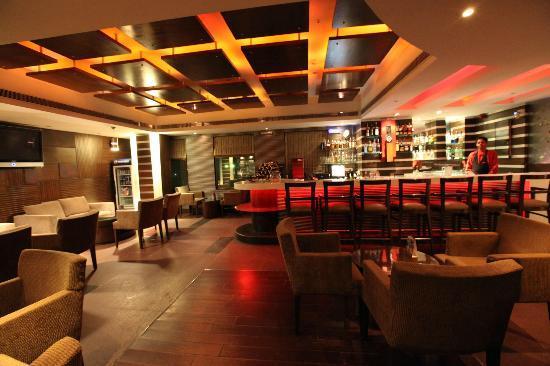 Dine Esty : Lounge Bar
