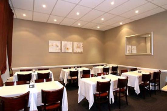 Hotel Opera Bruxelles: Breakfast room